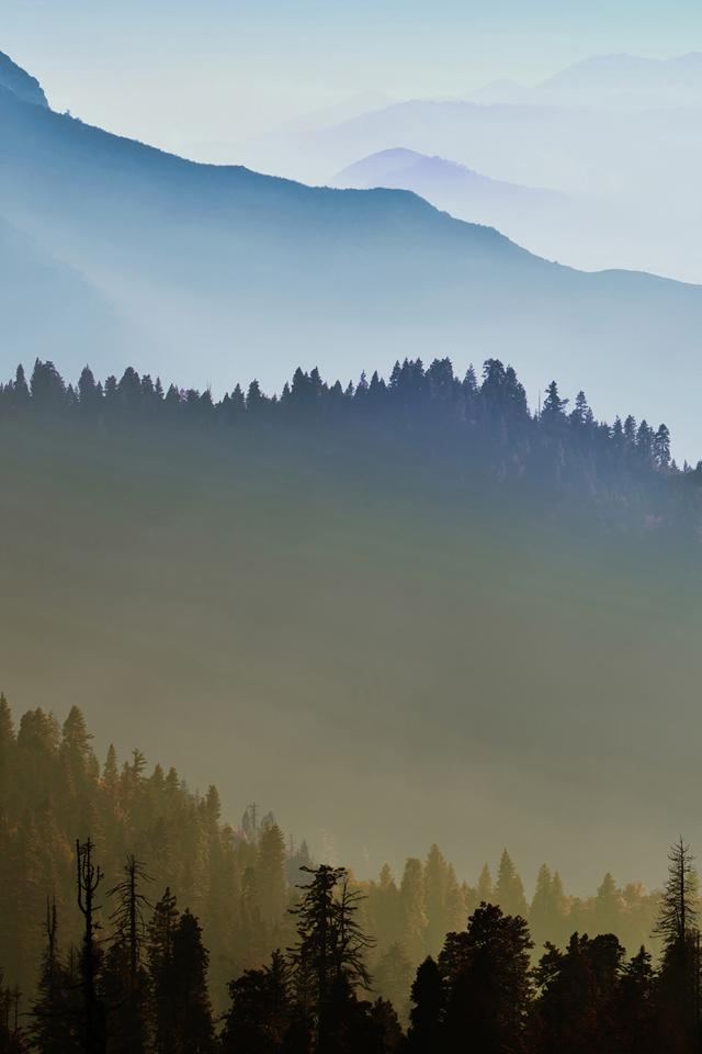 Misty Mountains Wallpaper