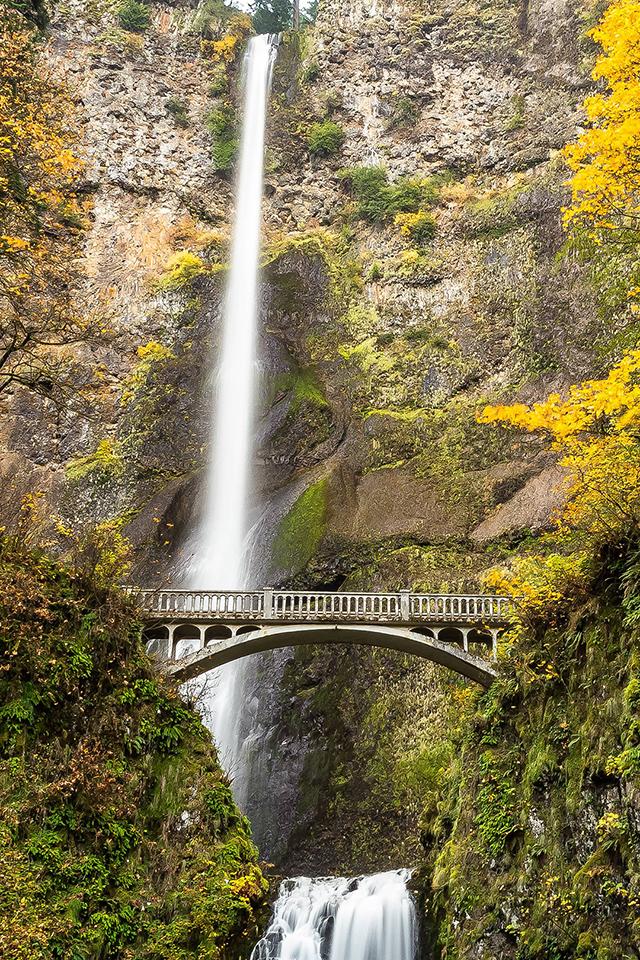 Columbia Waterfall Wallpaper