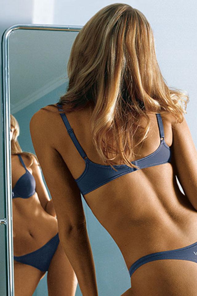 Mirror Babe Wallpaper