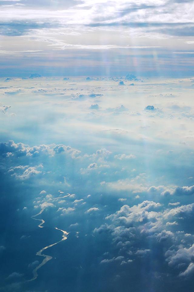 Cloud River Wallpaper