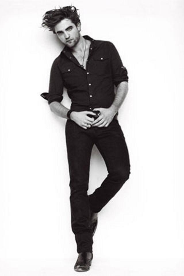 Robert Pattinson Wallpaper