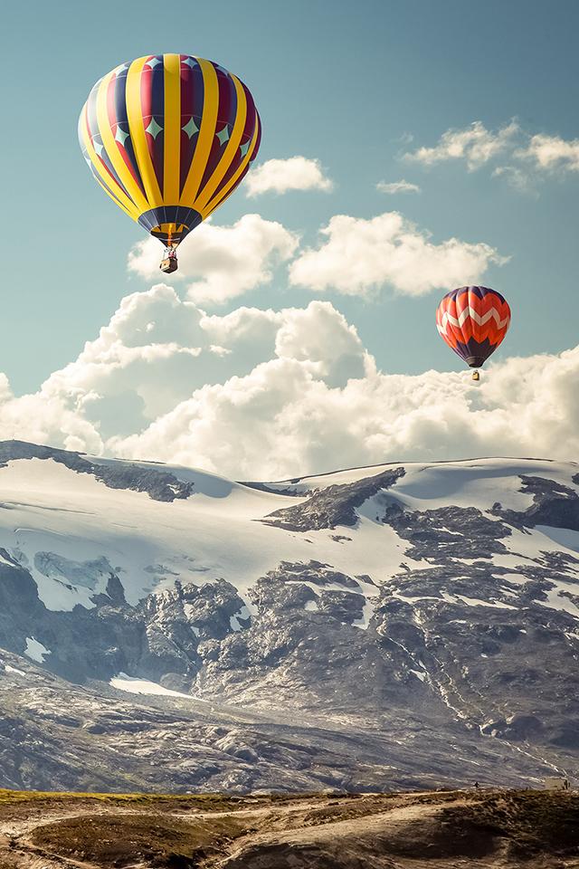 Balloons over Mountains Wallpaper