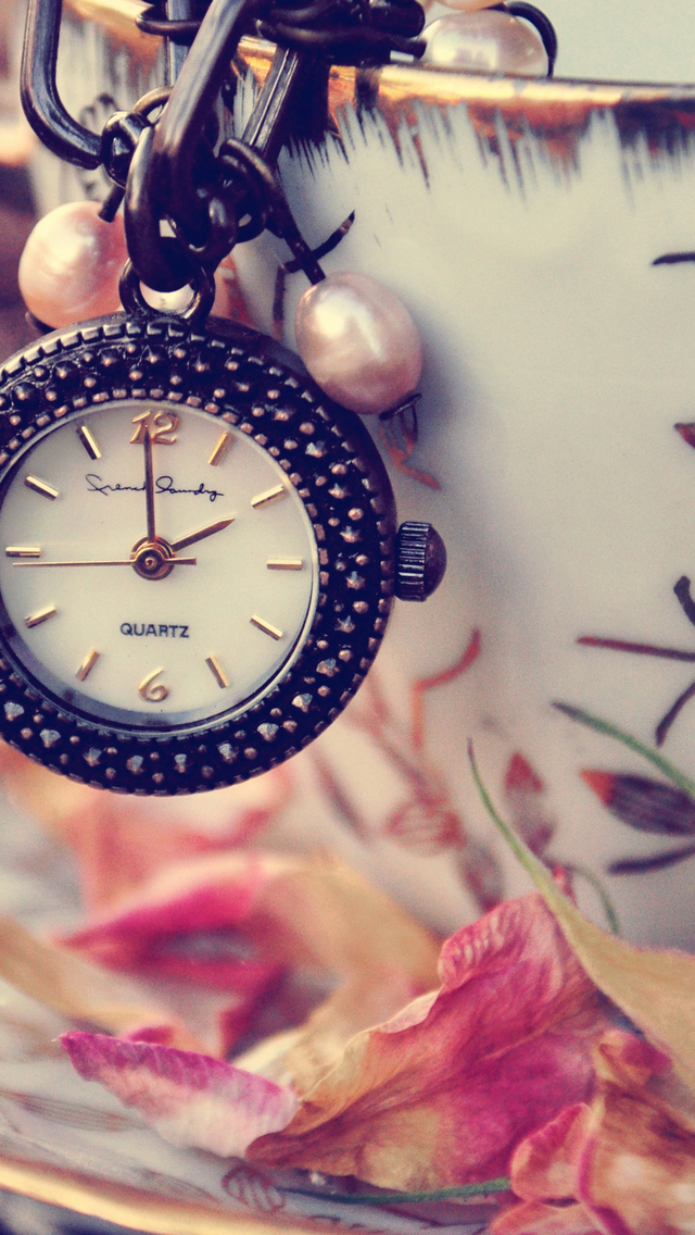 Girly clock iphone wallpaper hd - Girly wallpaper hd ...